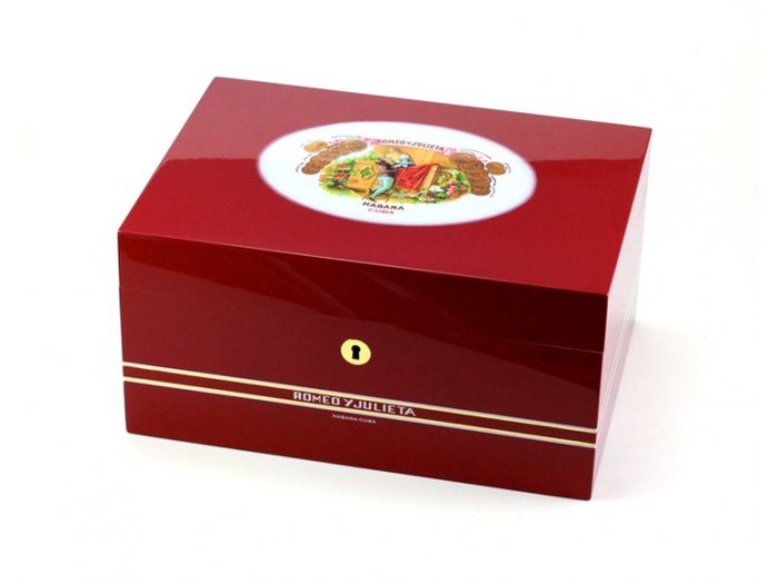 Romeo & Julieta humidor with logo
